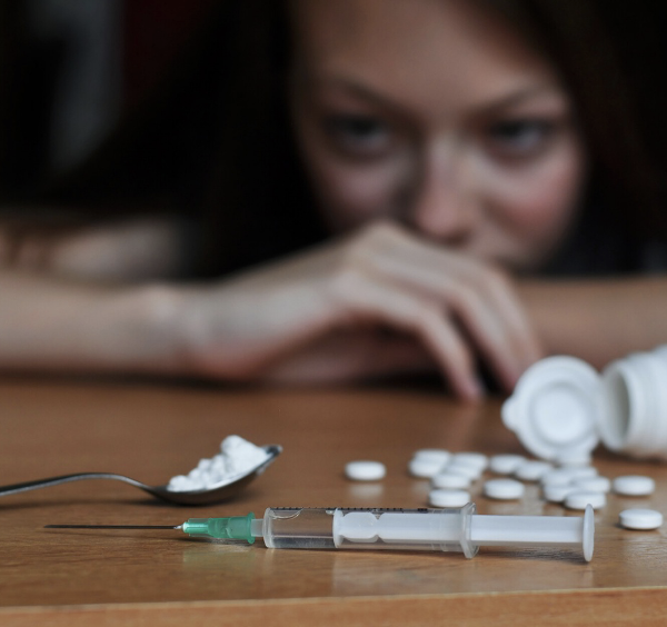 Alertness for Assistance: 5 Signs of Addiction to Look Out For