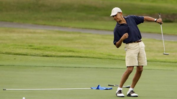 What should men wear for a round of golf?
