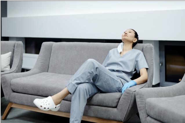 Seven Reasons Why Nurses Should Try Yoga & Meditation